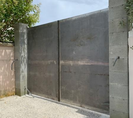 Réalisation de portail, portillon, porte de local technique sur-mesure