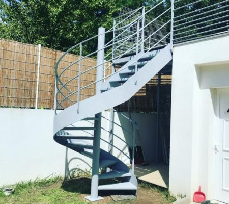Fabrication d'escalier sur mesure avec plan et visuelle en 3D